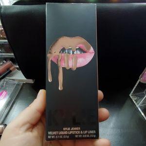 Kylie velvet liquid lipstick and liner